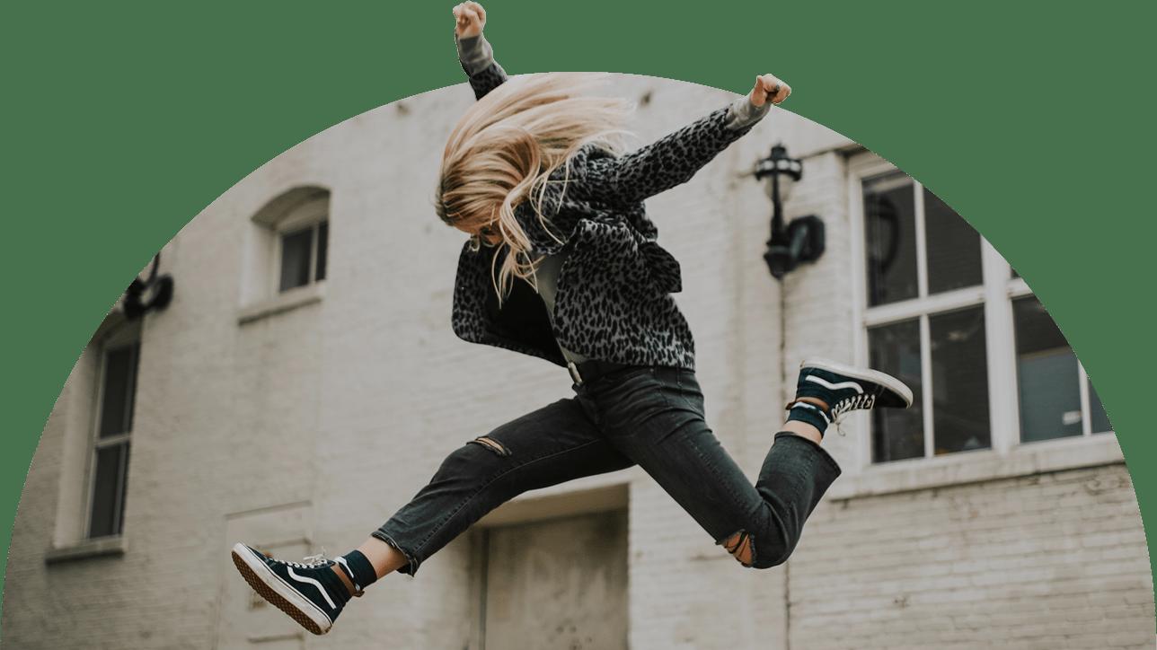 Newsletter_Jumping-Girl